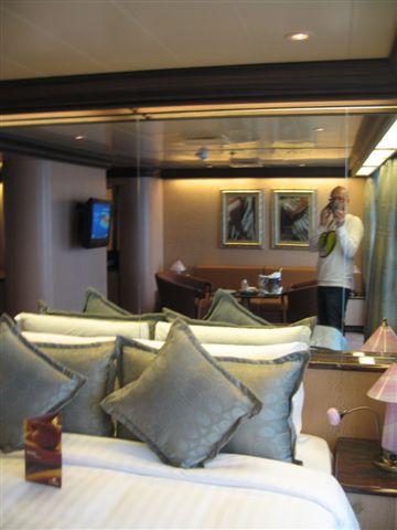 Gran suite e suite centrale con balcone  Costa Luminosa-suite-costa-luminosa-2-jpg