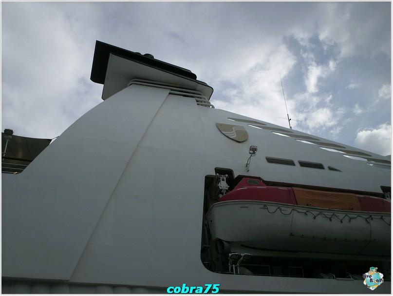 Seabourn Pride al Pireo-crociera-celebrity-equinox-novembre-2011-460-jpg