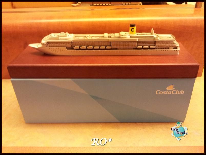 Modellini di navi da crociera-costa-mediterranea20121022_144629-jpg