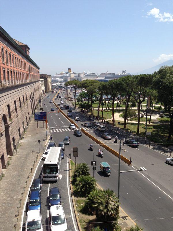 201306/09 Napoli-napoli-visita-citt-11-jpg
