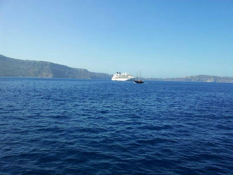 2014/07/10 Santorini Reflection-uploadfromtaptalk1404977077279-jpg