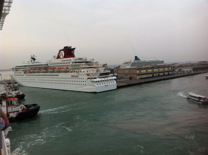 Venezia - 04/07/2011 (Imbarco)-crociera-vernissage-favolosa-14-jpg