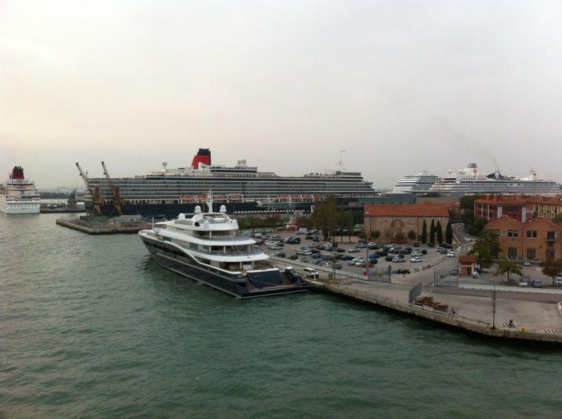 Venezia - 04/07/2011 (Imbarco)-crociera-vernissage-favolosa-19-jpg