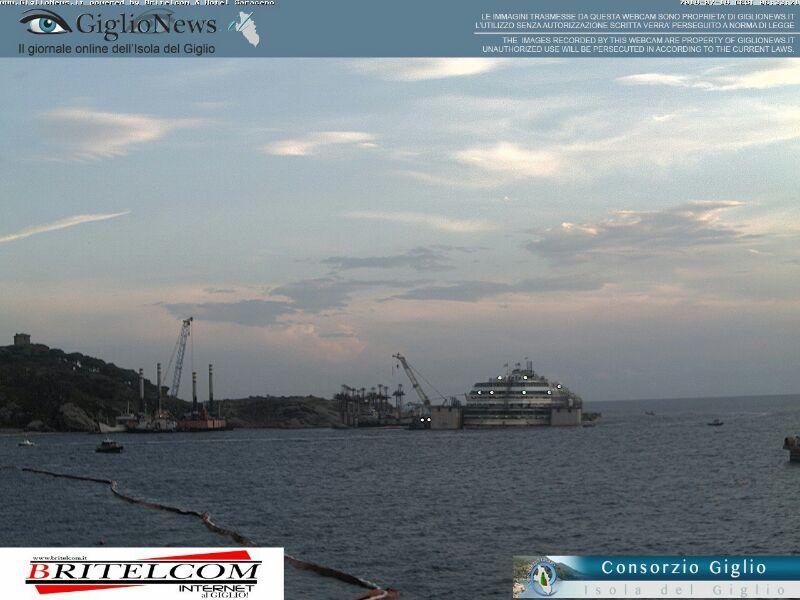 Liveboat in Diretta dall'Isola del Giglio e arrivo a Genova-02costa-concordia-liveboat-crociere-refloating-rigalleggiamento-liveboat-jpg