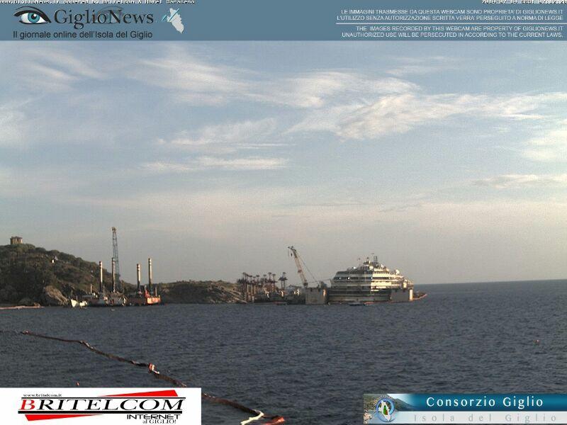 Liveboat in Diretta dall'Isola del Giglio e arrivo a Genova-03costa-concordia-liveboat-crociere-refloating-rigalleggiamento-liveboat-jpg