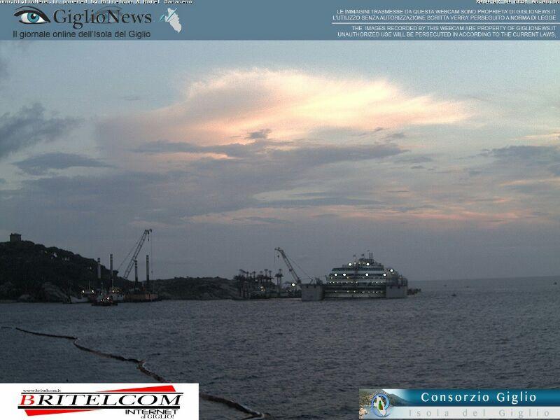 Liveboat in Diretta dall'Isola del Giglio e arrivo a Genova-04costa-concordia-liveboat-crociere-refloating-rigalleggiamento-liveboat-jpg
