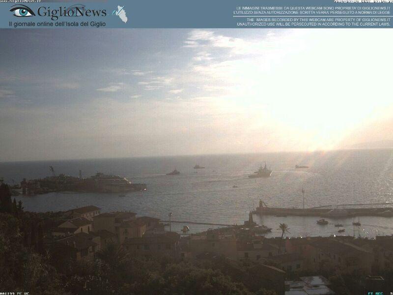Liveboat in Diretta dall'Isola del Giglio e arrivo a Genova-08costa-concordia-liveboat-crociere-refloating-rigalleggiamento-liveboat-jpg