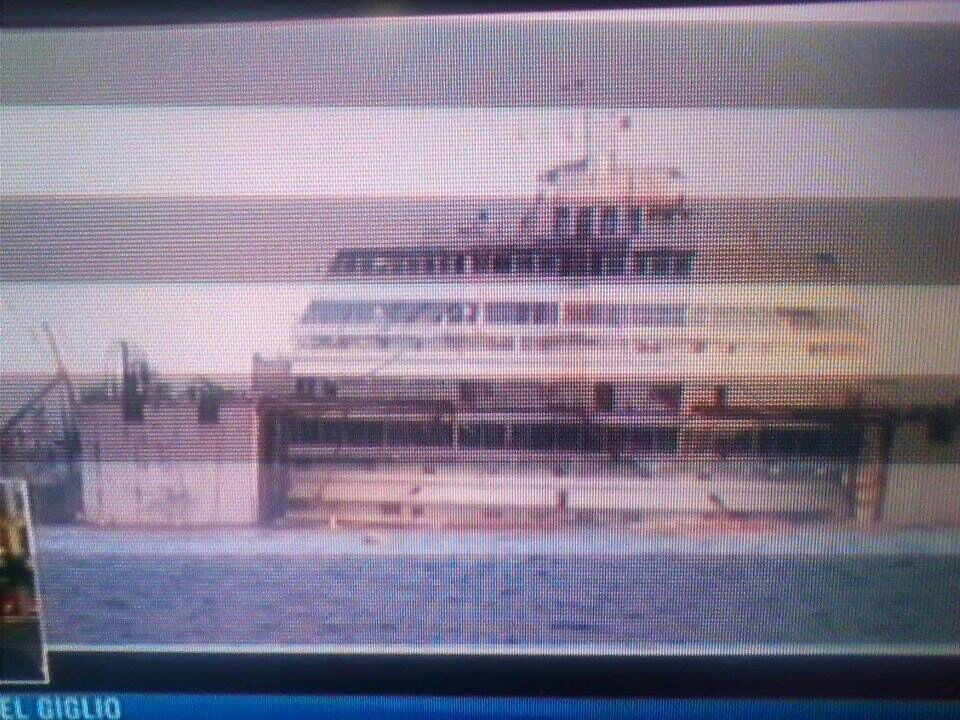 Liveboat in Diretta dall'Isola del Giglio e arrivo a Genova-12costa-concordia-liveboat-crociere-refloating-rigalleggiamento-liveboat-jpg
