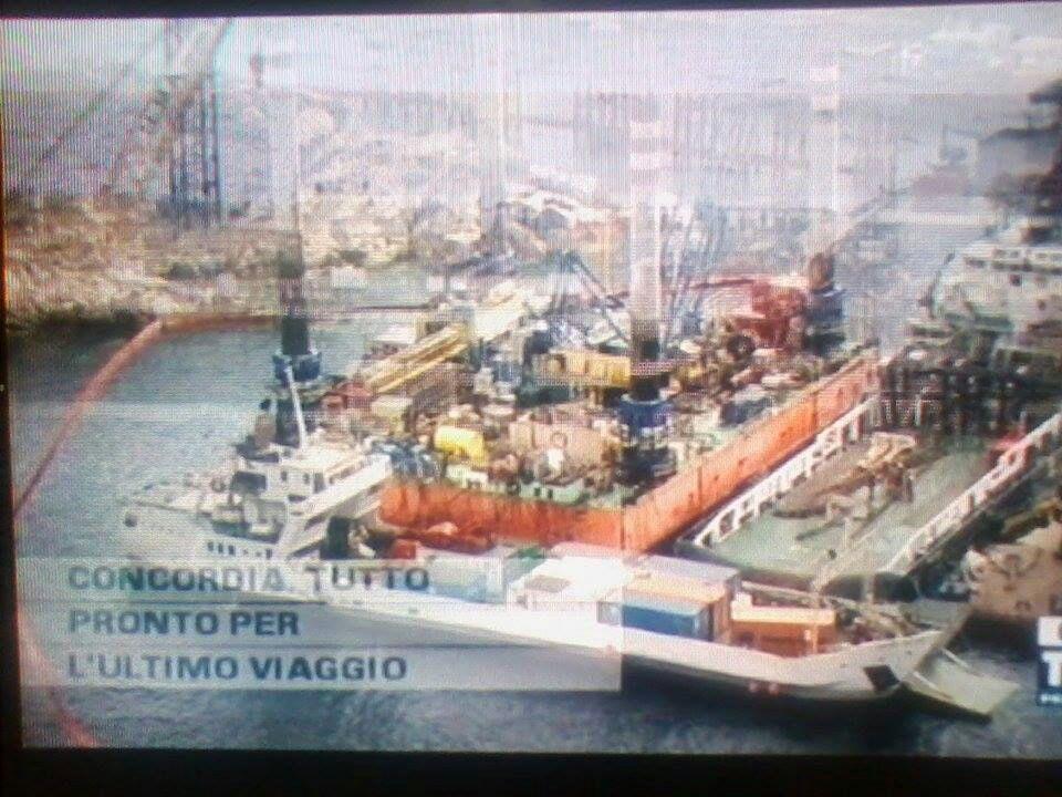 Liveboat in Diretta dall'Isola del Giglio e arrivo a Genova-13costa-concordia-liveboat-crociere-refloating-rigalleggiamento-liveboat-jpg