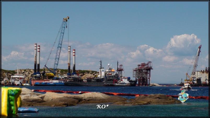 Liveboat in Diretta dall'Isola del Giglio e arrivo a Genova-10foto-costaconcordia-isoladelgiglio-operazioni-rigalleggiamento-jpg