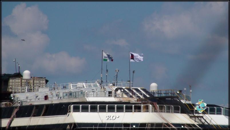Liveboat in Diretta dall'Isola del Giglio e arrivo a Genova-13foto-costaconcordia-isoladelgiglio-operazioni-rigalleggiamento-jpg