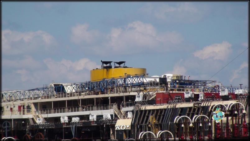 Liveboat in Diretta dall'Isola del Giglio e arrivo a Genova-27foto-costaconcordia-isoladelgiglio-operazioni-rigalleggiamento-jpg