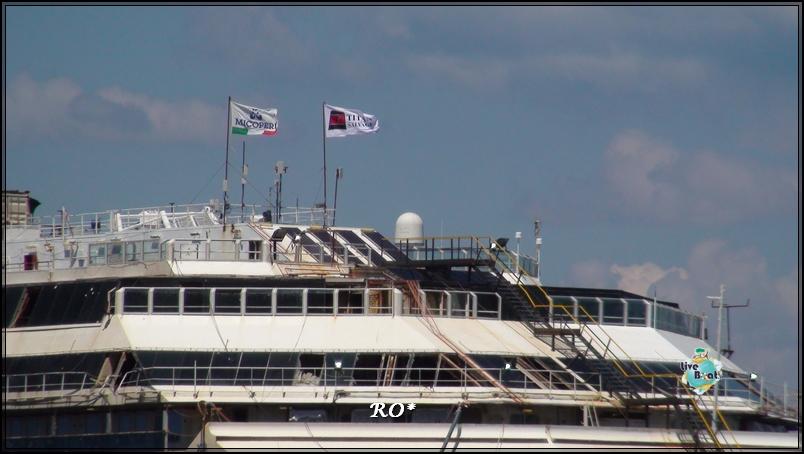 Liveboat in Diretta dall'Isola del Giglio e arrivo a Genova-33foto-costaconcordia-isoladelgiglio-operazioni-rigalleggiamento-jpg