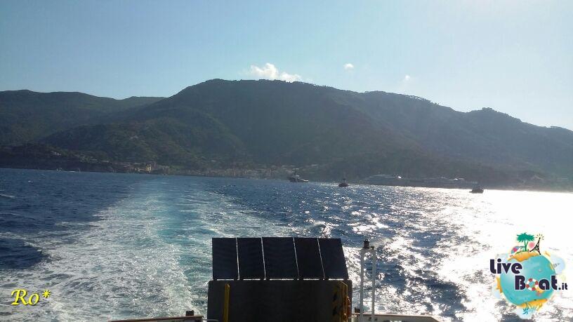 Liveboat in Diretta dall'Isola del Giglio e arrivo a Genova-1costa-crociere-costa-concordia-liveboat-crociere-refloating-rigalleggiamente-concordia-jpg