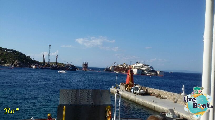 Liveboat in Diretta dall'Isola del Giglio e arrivo a Genova-3costa-crociere-costa-concordia-liveboat-crociere-refloating-rigalleggiamente-concordia-jpg