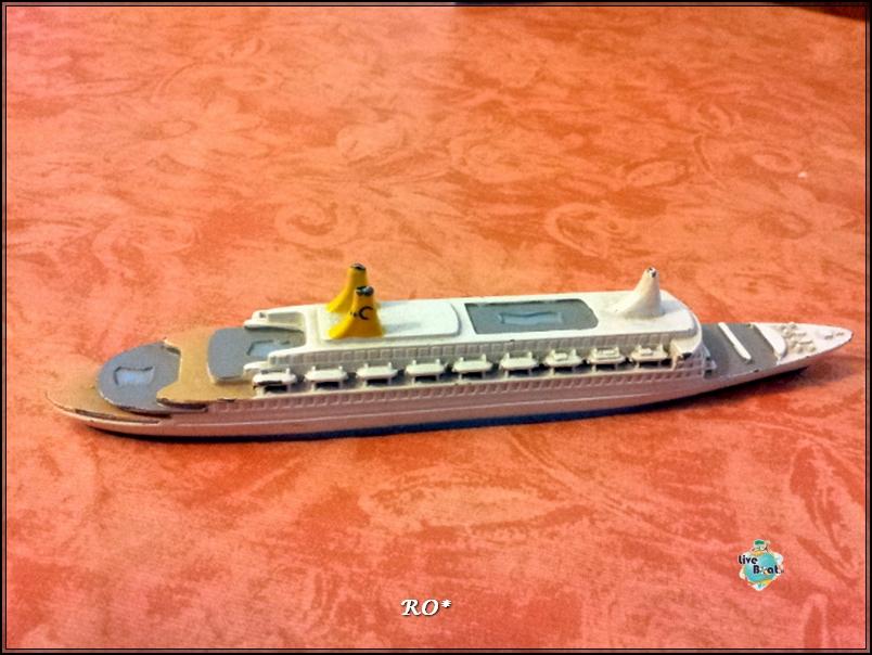 Modellini di navi da crociera-3fpto-modellino-eugenioc-costacrociere-jpg