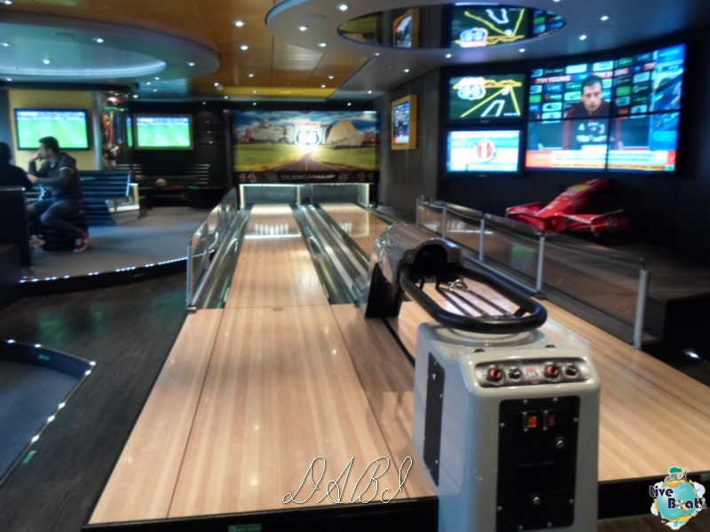 """Sport Bar - Bowling"" di Msc Splendida-47msc-splendida-jpg"
