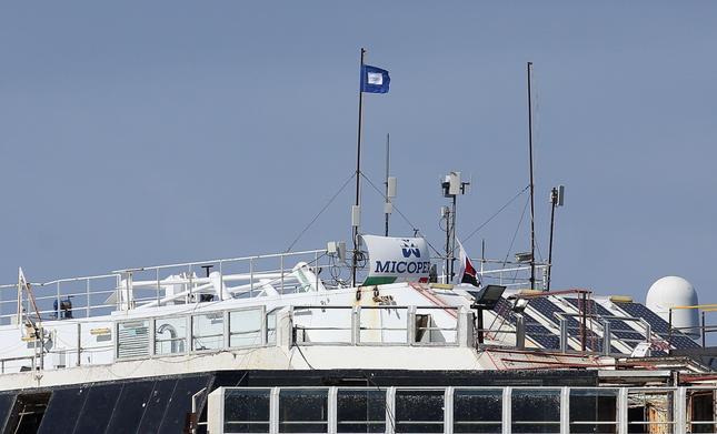 Liveboat in Diretta dall'Isola del Giglio e arrivo a Genova-ab53bee5848487bbf1c4f538b5635f18-jpg