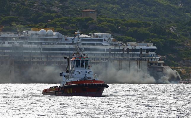 Liveboat in Diretta dall'Isola del Giglio e arrivo a Genova-2014-07-22t164229z_871596322_gm1ea7n01sf01_rtrmadp_3_italy-concordia-kxjg-645x400-meditelegraphweb-jpg