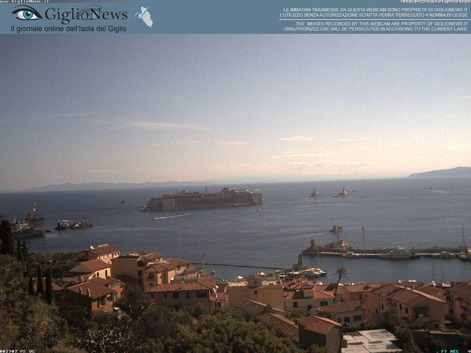 Liveboat in Diretta dall'Isola del Giglio e arrivo a Genova-costa-concordia-riparte-isola-giglio-4-jpg