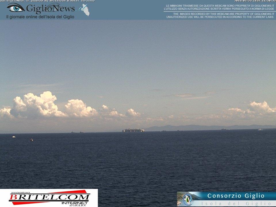 Liveboat in Diretta dall'Isola del Giglio e arrivo a Genova-costa-concordia-riparte-isola-giglio-9-jpg