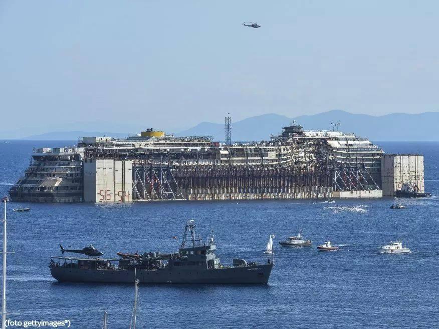Liveboat in Diretta dall'Isola del Giglio e arrivo a Genova-10566608_527846067345167_1328152071_n-jpg