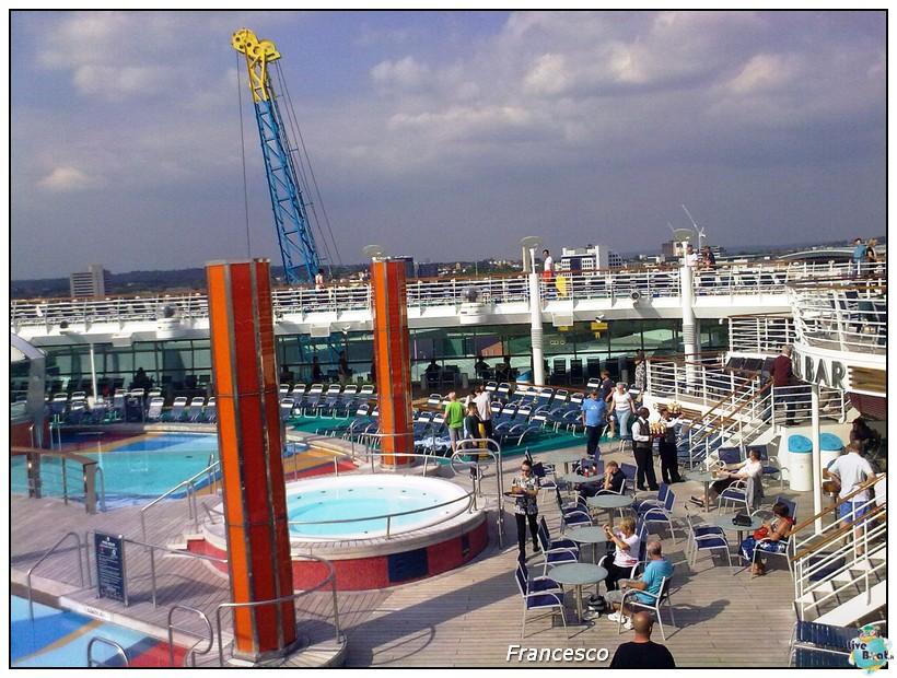 2014/05/17 Southampton -Independence OTS-8 GG. Norvegia  Fio-nave-independence-ots-ponte-11-piscine-jpg