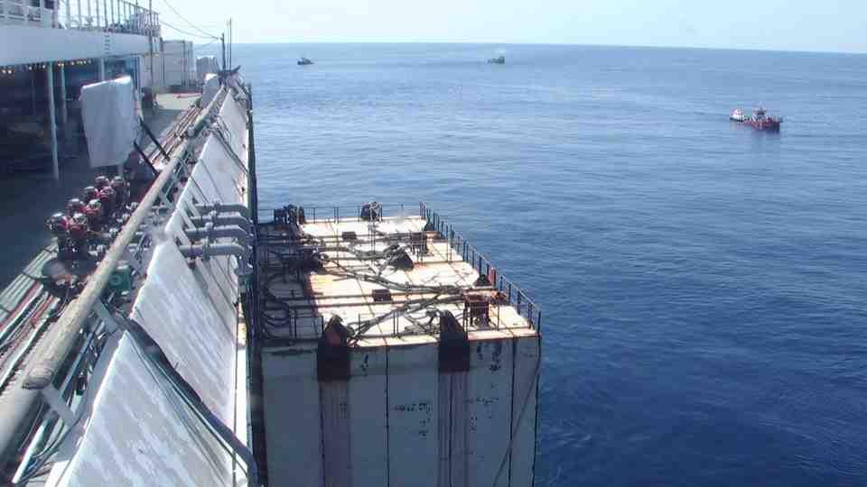 Liveboat in Diretta dall'Isola del Giglio e arrivo a Genova-giorno-navigazione-concordia-mattina-3-jpg